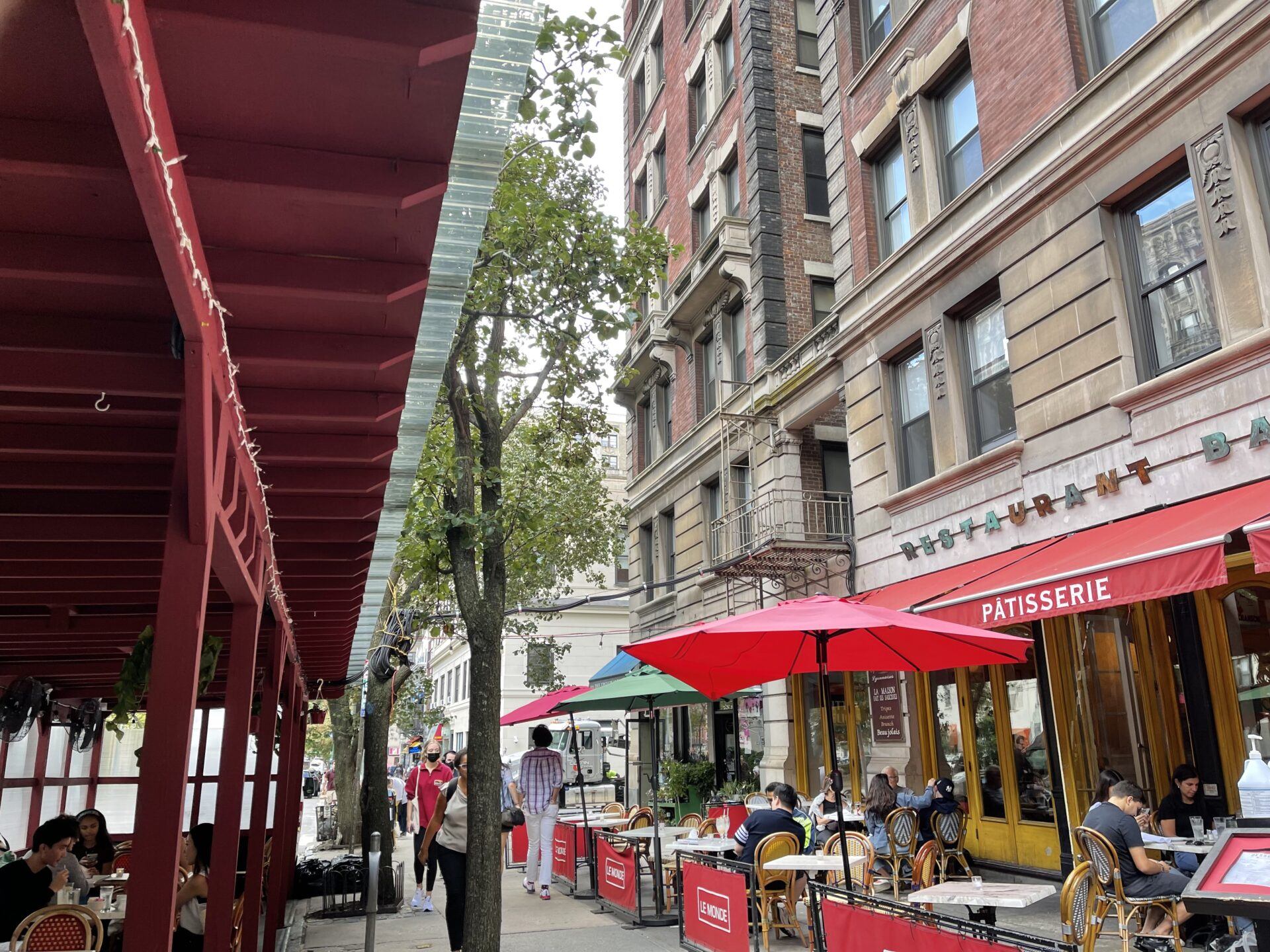 NYのカフェレストラン。ブロードウェイにて